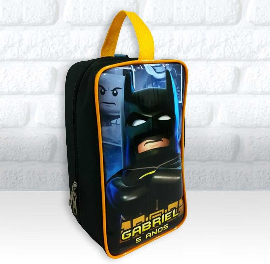 443d92de39e7e Bolsinha Personalizada Porta Chuteira Tema Batman Lego